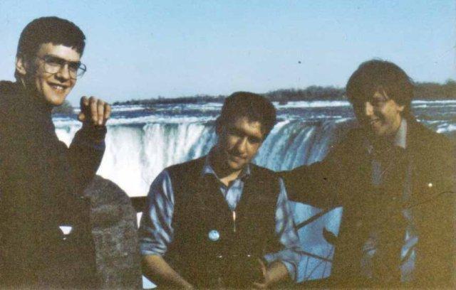 niagra-fallsontario-canada-april-1986-by-martin-garner